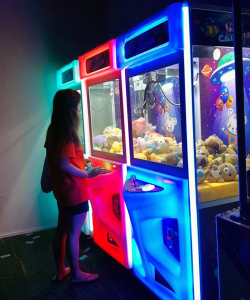 claw machine for rent
